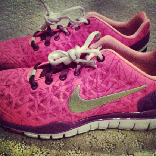 I'm in love with my shoes !! #Nike #pink #neon #retro
