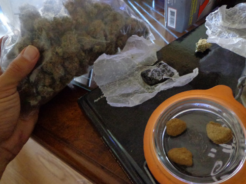 weedporndaily:  MMMMM…. I Love THC…2012 by HiZmiester on Flickr.