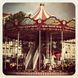 Merry-go-round on the town's central plaza #oldfashioned (Taken with Instagram at Beauvais)