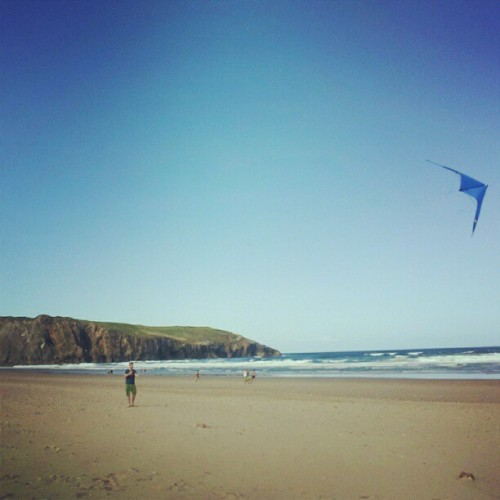 @arrewinki flying his #kite #beach #Asturias #Spain #summer  (Taken with Instagram)