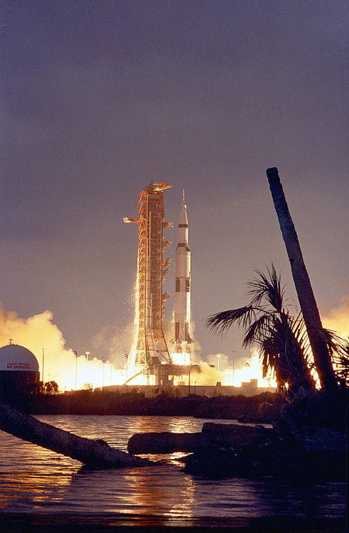 Apollo 14 lifts off, carrying astronauts Alan Shepard, Stuart Roosa, and Edgar Mitchell on January 31.
