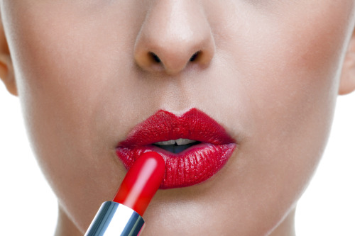Learn How to Apply Lip Liner for fuller lips!