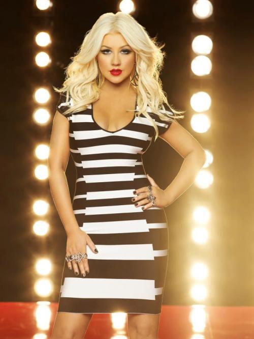 OMG LOOK AT THIS NEW #TheVoice promo pic of Xtina!!!