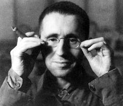 Hoje no blog uma dica envolvendo: Bertolt Brecht; Poesia; crítica social e arte. Dá uma passada por lá! Today in the blog we have a tip about: Bertolt Brecht; Poetry; Art and social critcism. Take a look!  http://dicasdoseupedro.wordpress.com/2012/08/15/dica-2-um-pouco-de-arte-e-reflexao-por-que-nao/