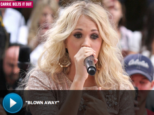 Carrie Underwood blows away crowd during 'Today Show' performance