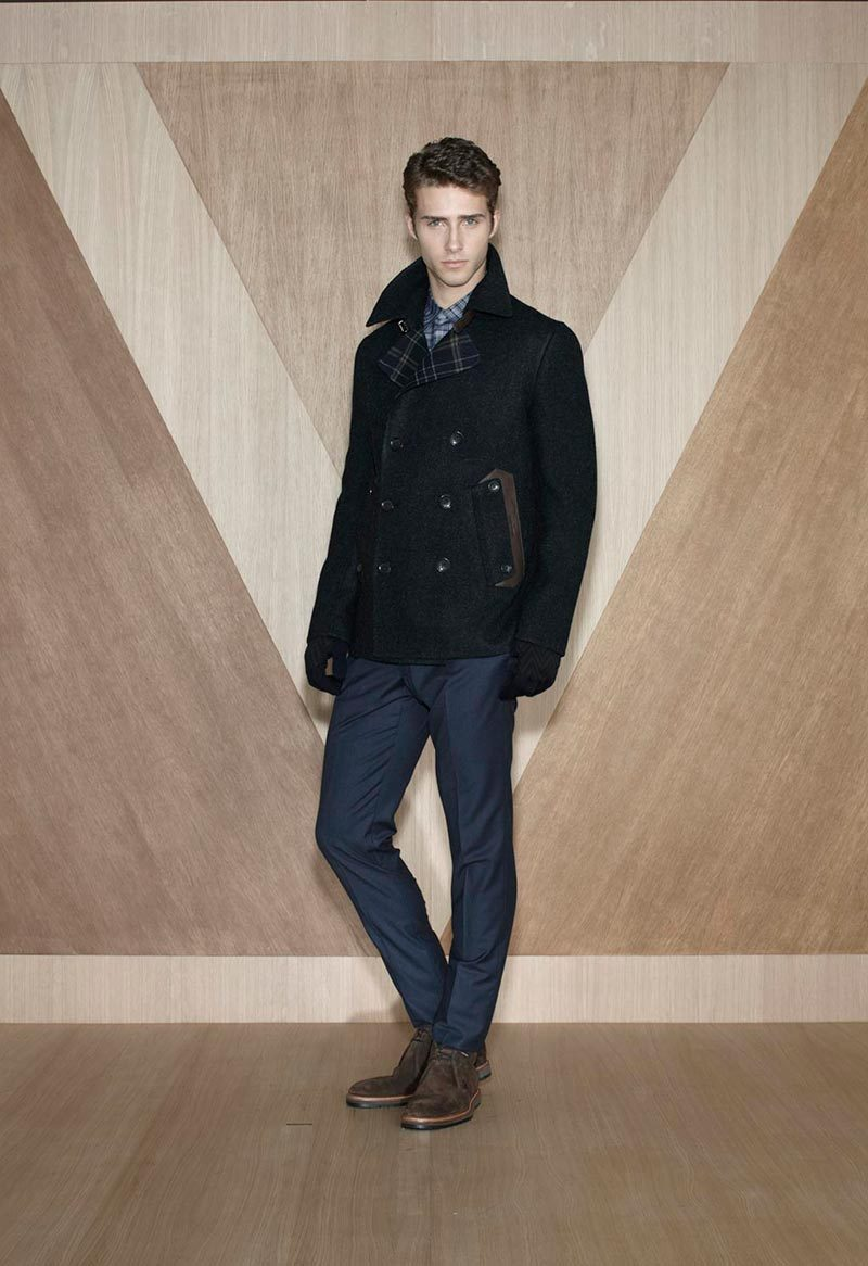 Alexander Johasson and Ryan Taylor appears in the Fall/Winter 2012 lookbook for Louis Vuitton. The second collection by Kim Jones for Louis Vuitton is cosmopolitan and modern, featuring beautiful looks and Vuitton's popular bags.