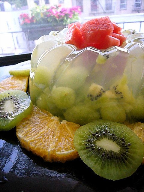 kanten(seaweed) jello with green grapes, kiwi and honeydew melons by dizznbonn on Flickr.