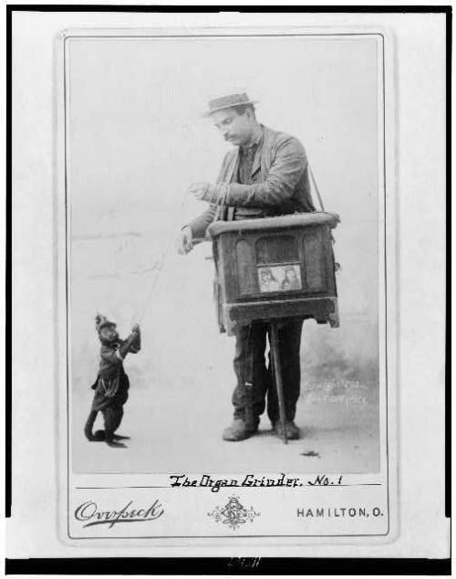 donnalethal:  Organ grinder and monkey.