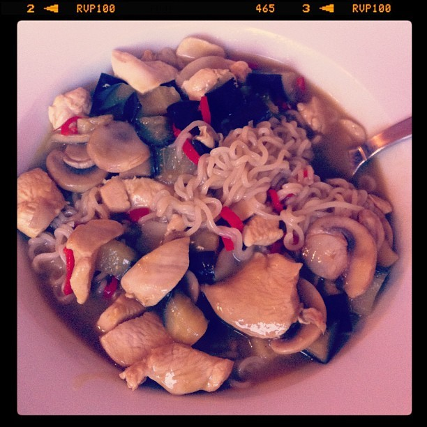 Green curry paste with noodles #nangamstyle (Taken with Instagram at Lab77 Fotografie)