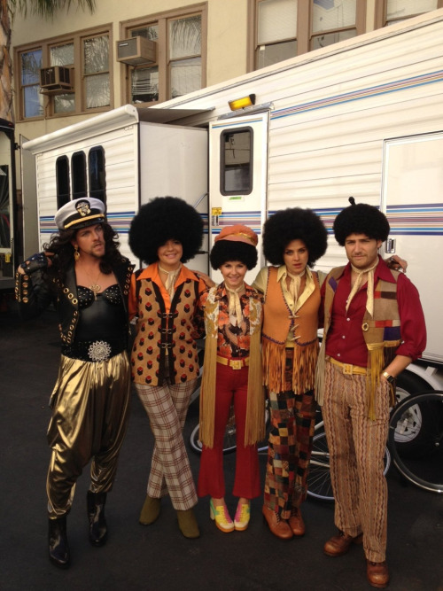 The cast of Happy Endings dressed as the Jacksons.