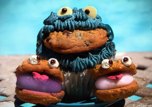 "lynnlangmade:  ""Obsession"" Didn't know Cookie Monster had babies did you? What's better than a cupcake? A cupcake with a cookie in it of course : D People are always asking me if I have cookies to go with my poems. So here you go! My treat :)"