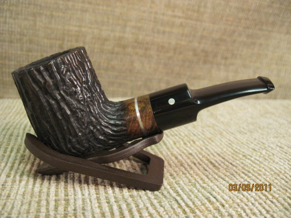 porcupinespine:  Look at that Jake Hackert pipe. Isn't it gorgeous?