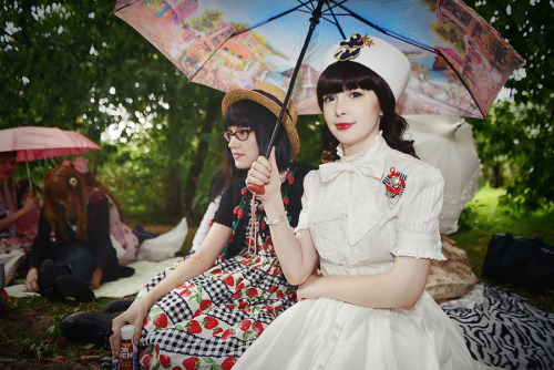 fuckyeahrussianlolita:  Little-Aiko and Tasha