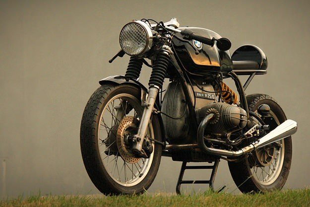 nationalfolklore:  bmw airhead cafe racer: no-brainer.