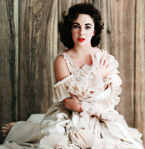 Elizabeth Taylor photographed by Mark Shaw, 1956