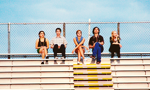 new perks stills  I AM SO EXCITED FOR THIS MOVIE. top shelf casting. can this be a tumblr hangz movie?