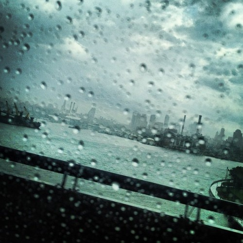 Leaving rainy Manhattan for sunny Seattle. #rain #summer #nyc #seattle (Taken with Instagram at Williamsburg Bridge)