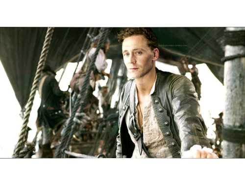 normaddleston:  homeofwords:  ahoy. hang in there. the ships are coming. I love you.  OMG. Where is this from??  ^^^