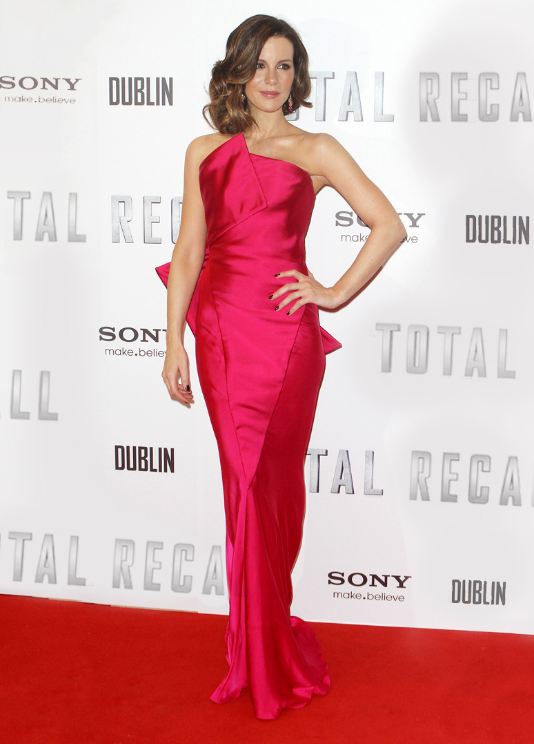 KATE BECKINSALE Kate Beckinsale in Donna Karan Resort '13 Look 39 at the Premiere of 'Total Recall' on August 14, 2012 in Dublin, Ireland. Credit: Phillip Massey/WireImage TO SEE MORE RED CARPET LOOKS VISIT DONNAKARAN.COM