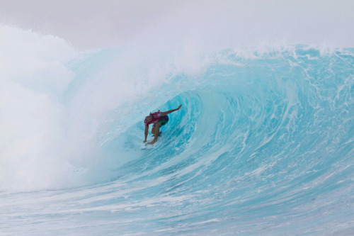 Julian Wilson getting barreled