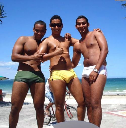 #brazilian #beach #bros in #speedos definitely know how to #bond in public…     #topher ;)  BestOfBromance.tumblr.com - @BestOfBromance - BestOfBromance@gmail.com