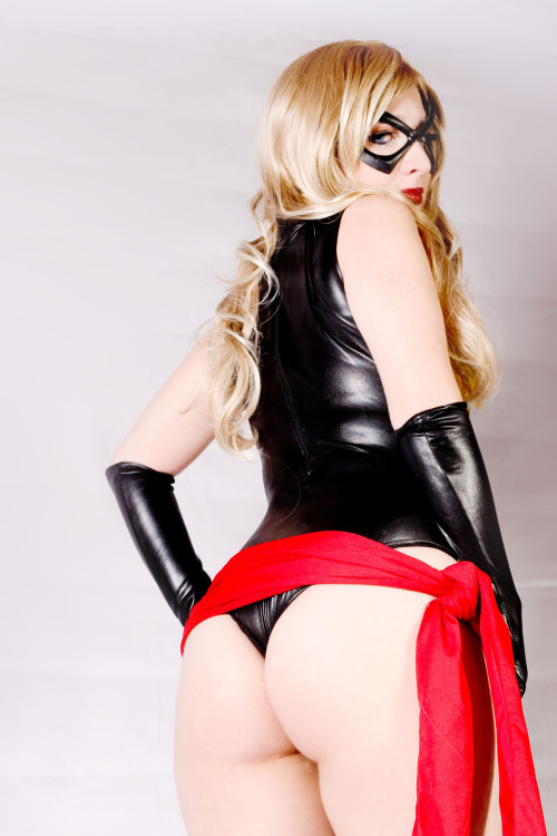 Ms. Marvel cosplay by Kitty Honey (A.K.A Urara Neko) Submitted bykitty-honey[deviantART|Facebook|World Cosplay]