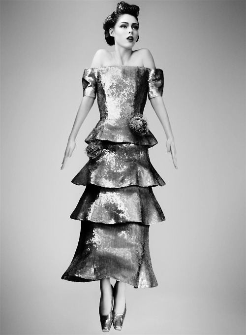 modne:  Coco Rocha by Craig McDean for Vogue May 2008… No.4 @MODNE| facebook.