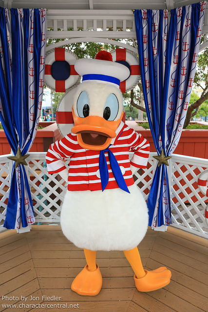 fuckyeahdca:  Disneyland July 2012 - Meeting Donald by PeterPanFan on Flickr.