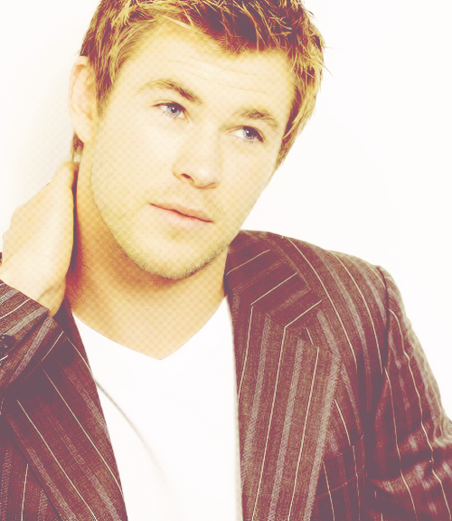 Favorite Chris Hemsworth Pictures | 4/100