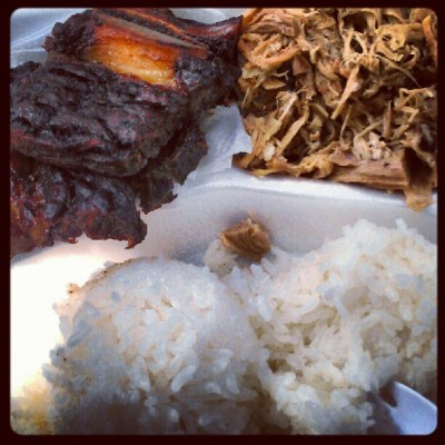 Helenas pipikaula short ribs and kalua pig for lunch @kaleo818. #food #hawaii #foodporn #helenas #delicious #lateupload  (Taken with Instagram)