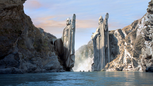 birkiucdort:  The Argonath (The Pillars of the Kings)