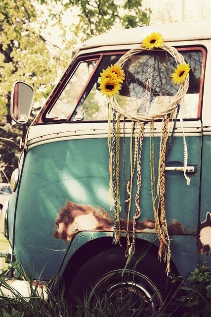 bohemianshoebox:  dreamcatcher + van