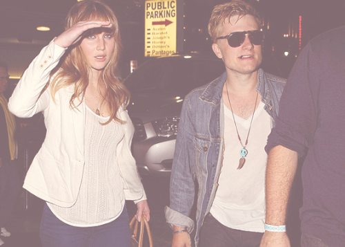 pandora-haynes:  Team Joshifer !  fake.. he was out with Lanchen that night.. there is even a video of it.. so it wasn't jennifer.