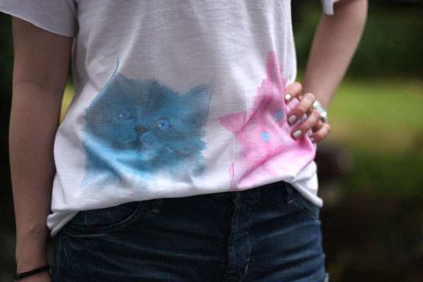 Watercolour Kitten Tee | Chic Steals Everywhere I look, there's pastels, pastels, pastels! And yep, I'm loving it. I've seen tees like this selling for $50+ in stores, but this way is much easier and more customisable. I've never heard of Deco Ink Effects paints, but they look amazing to use (and they're what gives this DIY it's watercolour effect!)