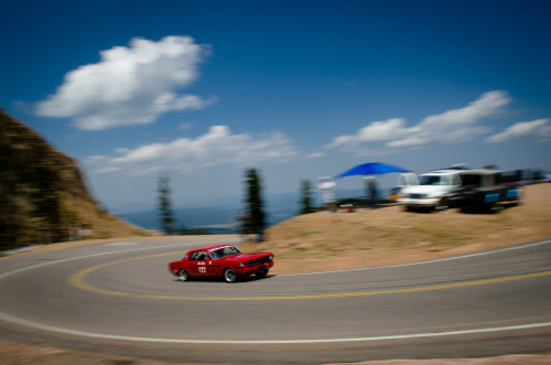 Rush to the top Starring: Ford Mustang (by JaySars)