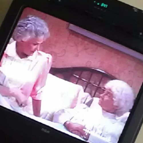 Watching my wives early this morning. I love the #goldengirls #tv #entertainment #love #women #earlymornings #earlybird #doubletap  (Taken with Instagram)