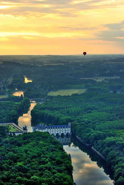 visitheworld:  Aerial view of Château de Chenonceau, Loire Valley, France (by Baloulumix).