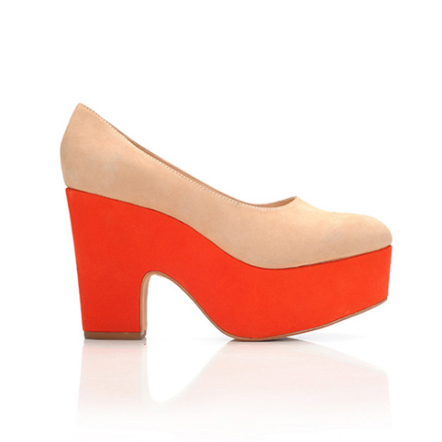 A fun take on the neon and neutral trend from Loeffler Randall. More cute finds, right this way!