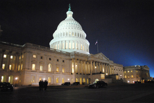 journalismworkshops:  Reporter's Guide to Covering the Capitol My friend from Medill, Ellen Shearer put this website together with information about reporting on Capitol Hill. Thought it might be a good resource for young journalist in DC.