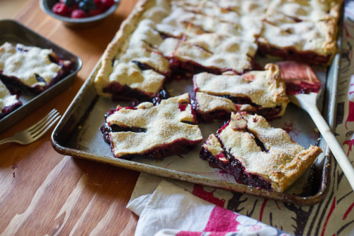gastrogirl:  chocolate berry slab pie.