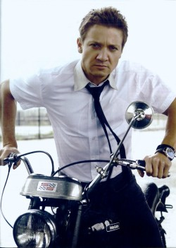 rennersexual:  So smouldering, so sexy, so utterly fuckable. Young Renner is good…Current Renner is better!