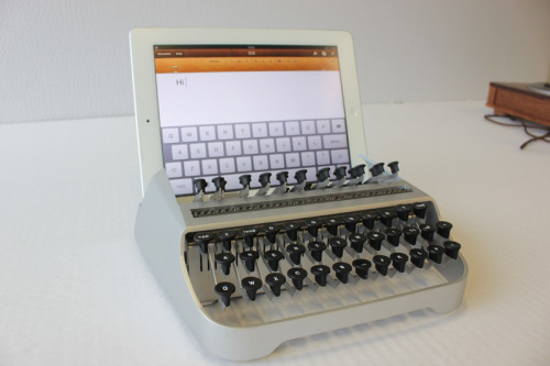 thingsmagazine:  iTypewriter by Austin Yang (via things)