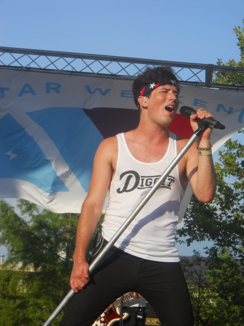 stephlovesadub:  Zach Porter - Indiana State Fair - August 4, 2012