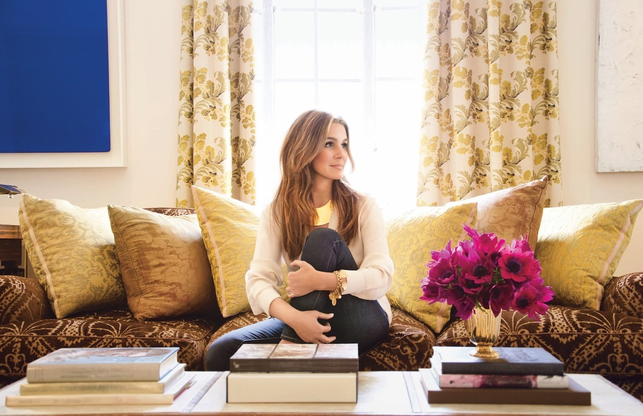 Fictionary: Aerinsthetic + Exclusive Interview With Aerin Lauder noreply@blogger.com (Amber Katz), beautybloggingjunkie.com Fic­tionary is a col­umn show­cas­ing beauty-related words that don't exist, but should.Because my life is a cheer­lead­ing squad, I don't have room for many girl crush­es. I have only a select few and at the top of the list has always b…  Love Aerin Lauder she's just so inspirational! And she has a fabulous makeup line due in the Fall.