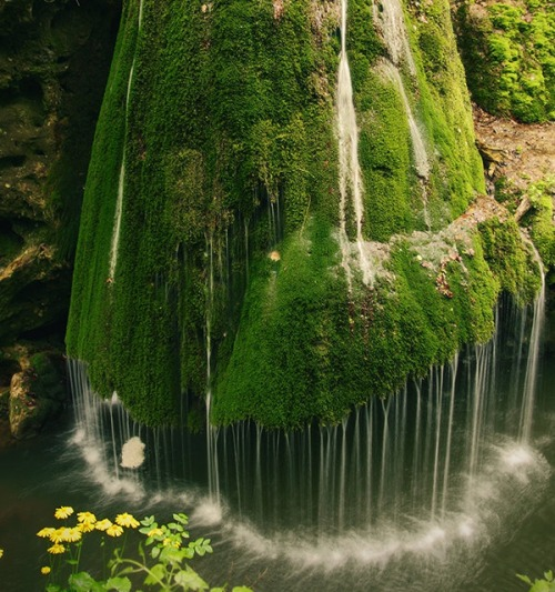 How great would it be to visit the Bigar Waterfall in Carass Severin, Romania! We can almost feel the mist from the water just be looking at the picture.