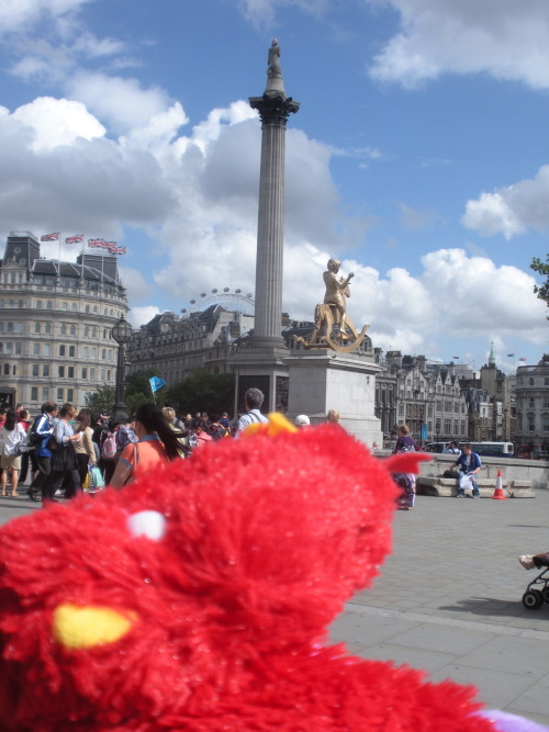 ~chillin in trafalgar square~~