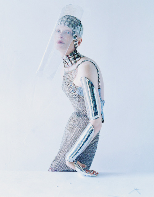 lasherx:  'Dame Of Thrones' Kristen McMenamy photographed by Tim Walker for W Magazine, September 2012