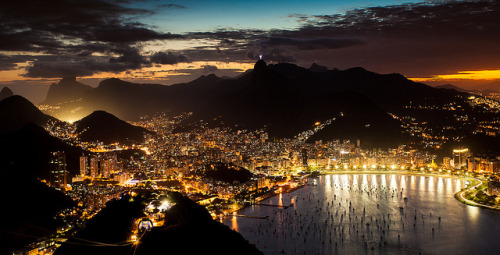 urbanthesia:  Rio de Janeiro by night by jackhynes on Flickr.