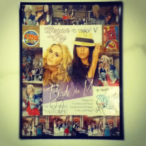 written-in-the-black-stars:  So this is the picture frame I made of the day I met Megan and Liz