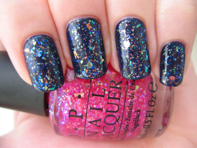 I adore this holo glitter from opi! Does anyone know the name of it?